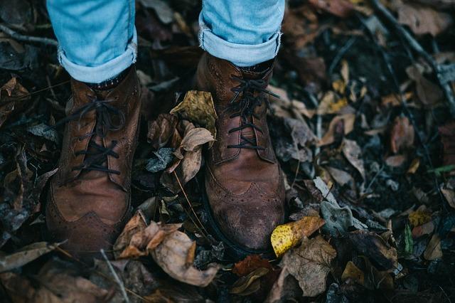 f13a69a331 21 Best Shoes for Plantar Fasciitis & Sensitive Feet 2019 (Men & Women)