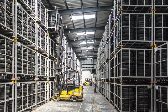 warehouse working environment